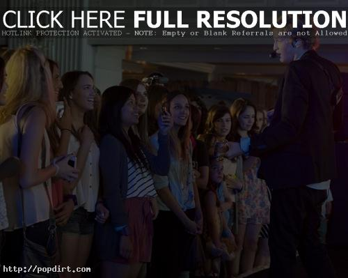 Cody Simpson performs for an appreciative audience during his listening party at Casa Del Mar