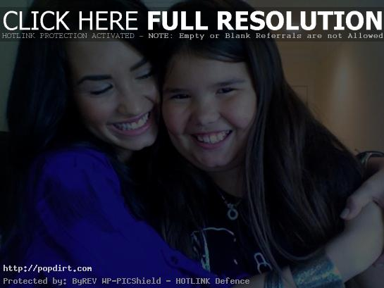 Demi Lovato with her little sister Maddie