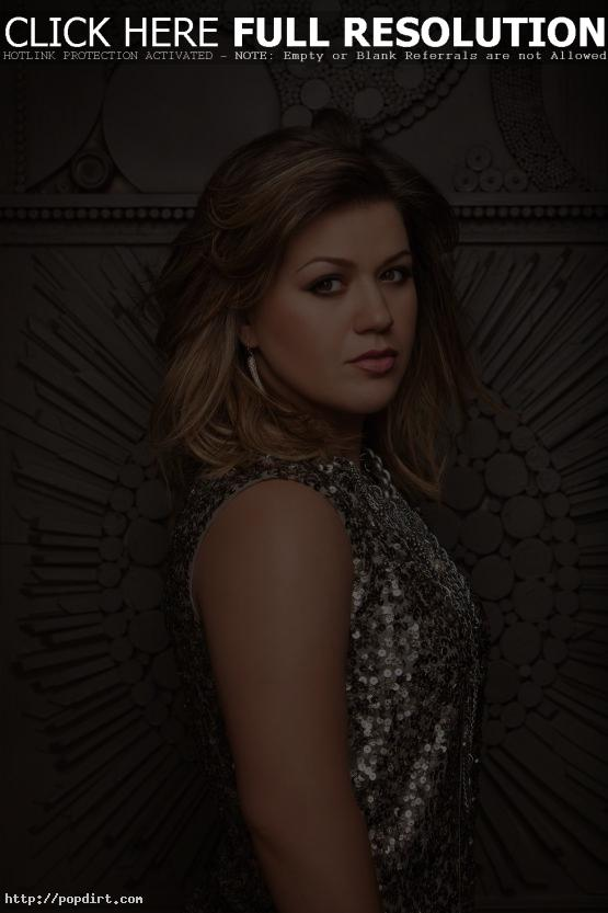 Kelly Clarkson singer